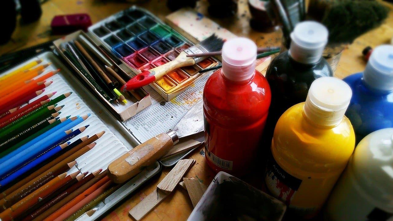farby i pędzle do malowania po numerach